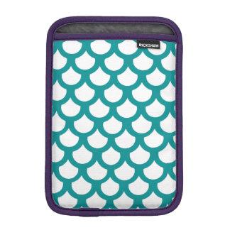 ティール(緑がかった色)の魚スケール1 iPad MINIスリーブ