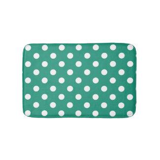 ティール(緑がかった色)及び白い水玉模様の浴室の敷物 バスマット