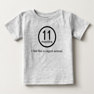 ティー11か月の ベビーTシャツ