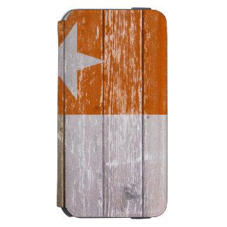 テキサス州のオレンジ旗の色彩の鮮やかで古い木 INCIPIO WATSON™ iPhone 5 財布型ケース