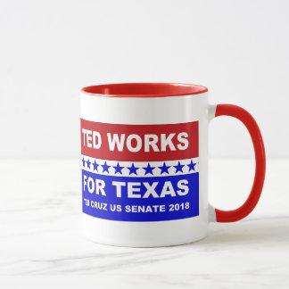 テッドはテキサス州の赤く白くおよび青の設計のために働きます マグカップ