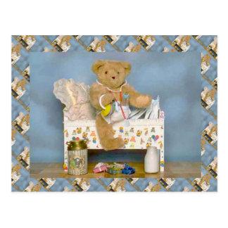 テディー・ベア、bearlyベビー、折畳み式ベッドおよびミルク ポストカード