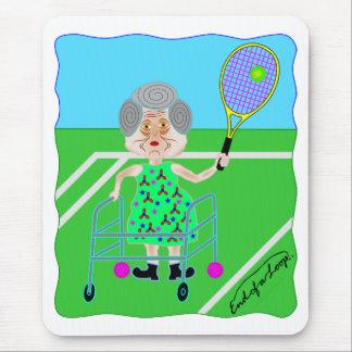 テニスのおばあさん マウスパッド
