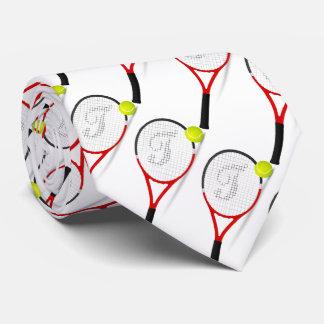 テニスラケット、sportlyのための球は、白いbackg人を配置します タイ