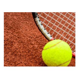 テニス・ボールおよびラケットクローズアップ ポストカード