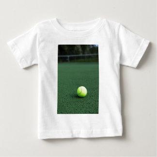 テニス・ボール ベビーTシャツ