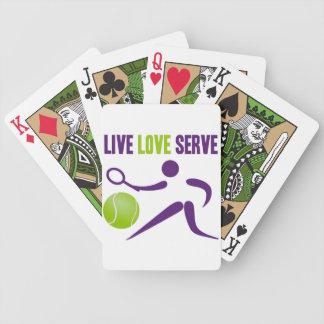 テニス: 生きている。 愛。 サーブ バイスクルトランプ