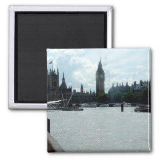 テムズ川ロンドンのビッグベン マグネット