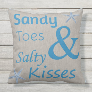 テラスの枕サンディのつま先および塩辛いキスのビーチ クッション