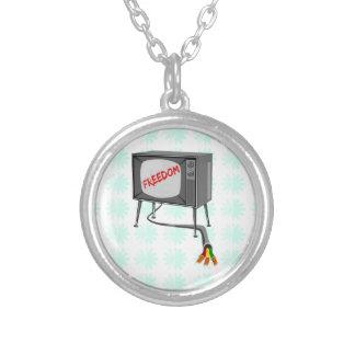 テレビの自由 シルバープレートネックレス
