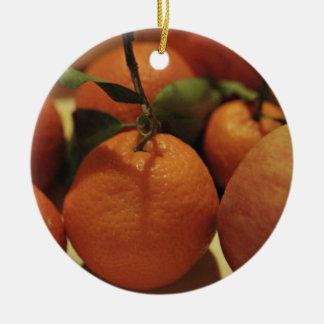 テーブルのオレンジのりんごのフルーツ セラミックオーナメント