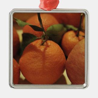 テーブルのオレンジのりんごのフルーツ メタルオーナメント