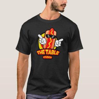 テーブルのスタジオ Tシャツ