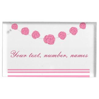 テーブルを結婚しているピンクのバラおよびストライプはホールダーを置きます テーブルカードホルダー