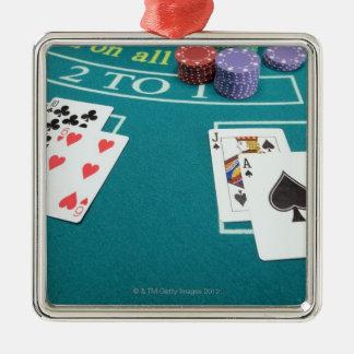 テーブルを賭けることのカードそして破片 メタルオーナメント
