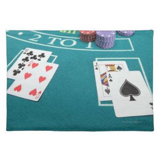 テーブルを賭けることのカードそして破片 ランチョンマット