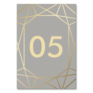 テーブルカードを結婚する幾何学的な|の鳩の灰色および金ゴールド カード