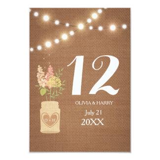 テーブル数カードを結婚するライトの素朴な一連 カード