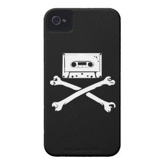 テープ及び骨が交差した図形音楽海賊海賊行為の家の収録 iPhone 4 カバー