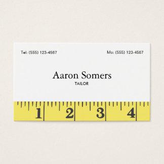 テープ裁縫を測定しているテーラー 名刺