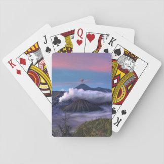テーマ空火山または山は低いCLと坐ります トランプ