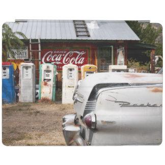 ディクソン、ニューメキシコ、米国。 ヴィンテージ車 iPadスマートカバー
