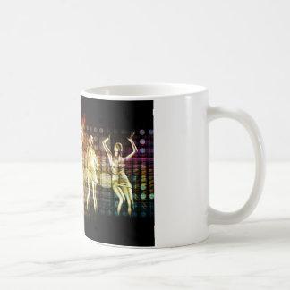 ディスコのダンサーを持つビーチの激賞のパーティー コーヒーマグカップ