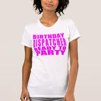 ディスパッチャーのピンクの誕生日のディスパッチャーは2パーティーを用意します Tシャツ
