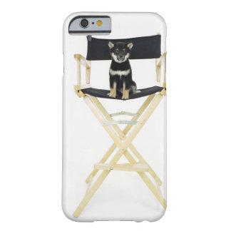 ディレクターの椅子の柴犬犬 BARELY THERE iPhone 6 ケース