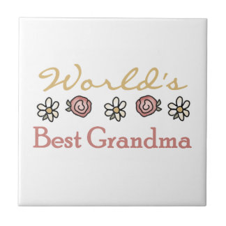 デイジーおよびバラの世界で最も最高のな祖母のギフト タイル