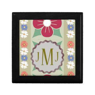 デイジーの花及びモノグラムJMJ ギフトボックス