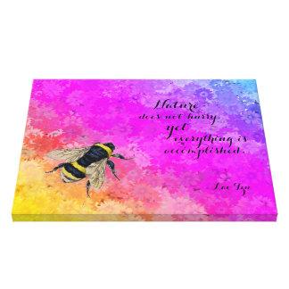 デイジーの虹は《昆虫》マルハナバチ-ラオス語Tzuによる引用文--を着色します キャンバスプリント