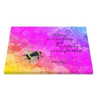 デイジーの虹色及び《昆虫》マルハナバチ-ラオス人のTzuの引用文 キャンバスプリント