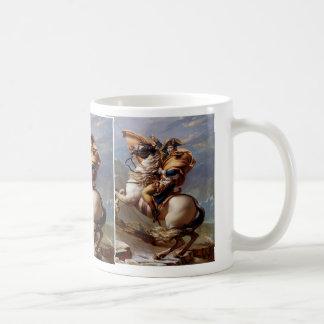 デイヴィッド著アルプスを交差させているナポレオン コーヒーマグカップ