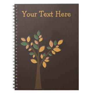 デザイナー木のブラウンの螺線形の名前入りなノート スパイラルノート