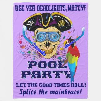 デザインについての海賊プールを囲んでのパーティの重要な読書 フリースブランケット