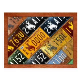 デザインのターンパイクによるワイオミングの州のナンバープレートの地図 ポストカード