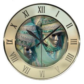 デザインの凝った服のカップルのコスチューム ラージ壁時計