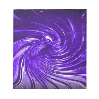 デジタル式に高められる渦巻のマルティーニ紫色のガラス ノートパッド