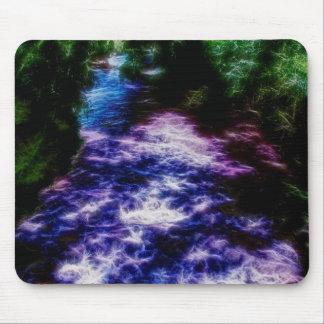 デジタル紫色および青の芸術のきらめくな川 マウスパッド