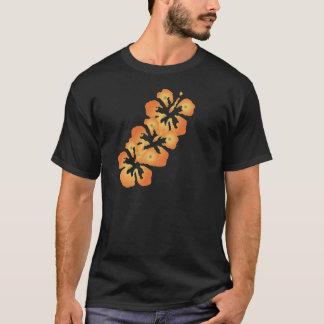 デジタル芸術のカスタムなオレンジハイビスカスの花 Tシャツ