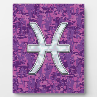 デジタル赤紫のピンクのカムフラージュの魚類の(占星術の)十二宮図 フォトプラーク