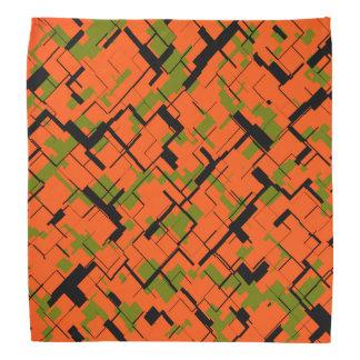 デジタル迷彩柄の緑のオレンジ黒いパターン バンダナ