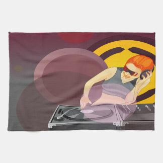 デッキのグランジな都市レトロの女性DJ回転のビニール 台所タオル
