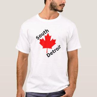 デトロイトの南に…あります Tシャツ