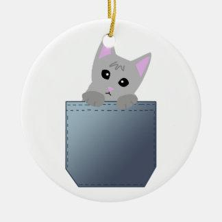 デニムのポケット絵の灰色の子ネコ セラミックオーナメント
