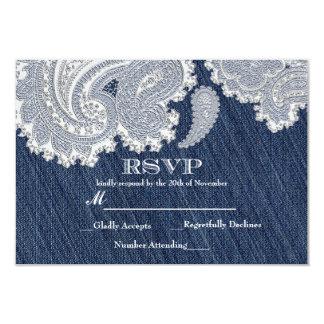デニムジーン及び白いレースエレガントな結婚RSVPのカード カード