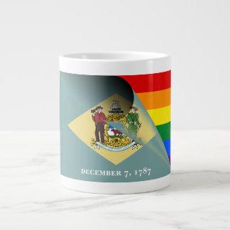 デラウェア州旗のゲイプライドの虹 ジャンボコーヒーマグカップ