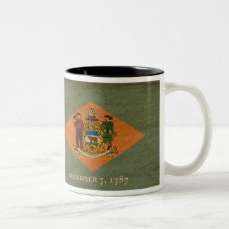 デラウェア州旗のマグ ツートーンマグカップ