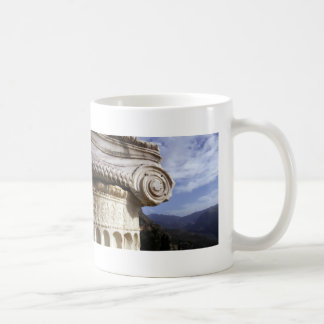 デルファイ寺院 コーヒーマグカップ